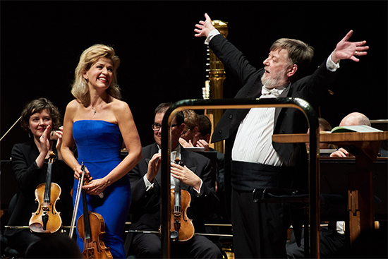 Anne-Sophie Mutter and Sir Andrew Davis (photo by Dan Aulsebrook)