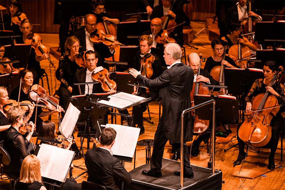 David Robertson conducting the Sydney Symphony Orchestra in Peter Grimes (photograph by Jess Gleeson)