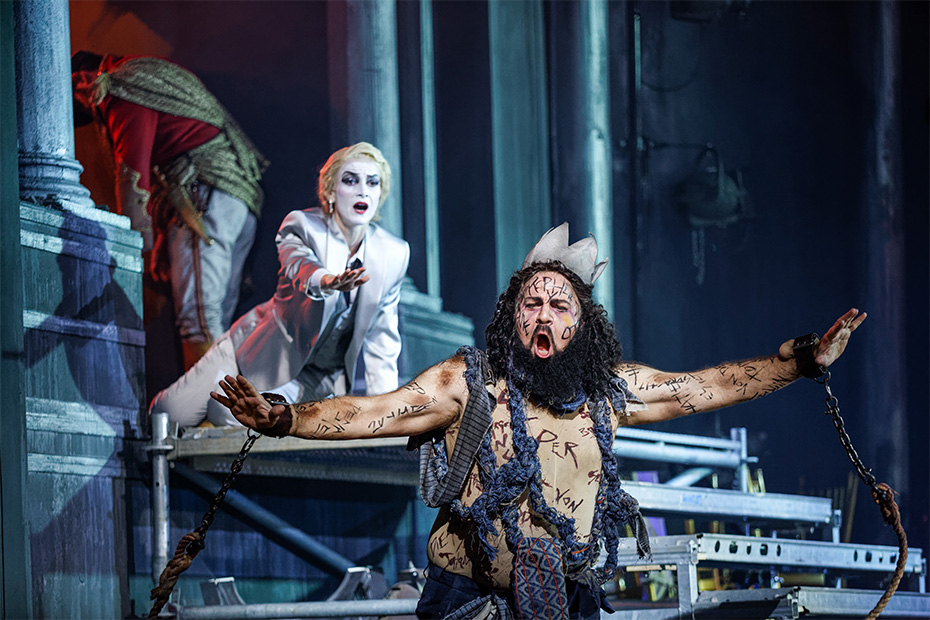 Vida Miknevičiūtė and Daniel Sumegi in Salome (photograph by Craig Fuller)