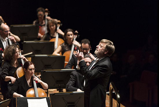 Andrew Davis conducting the MSO photograph by Peter Tarasiuk