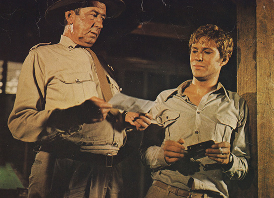 Chips Rafferty and Gary Bond in Wake in Fright 1971