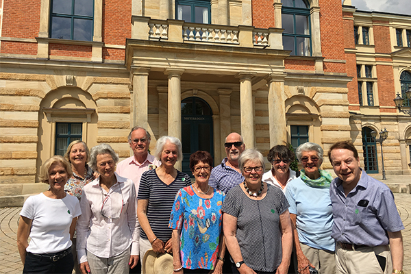 The tour group outside the Bayreuth Festspielhaus.