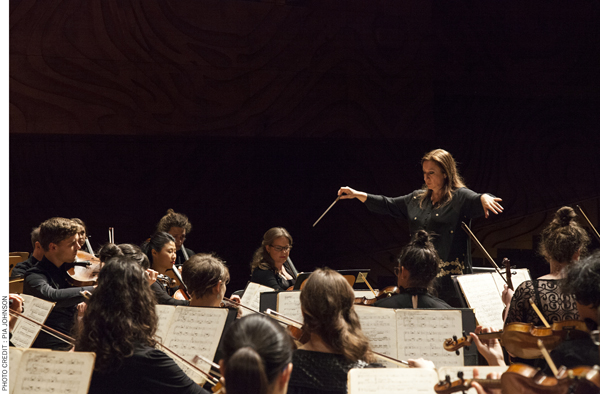 Simone Young conducting the Australian National Academy of Music photograph by Pia Johnson