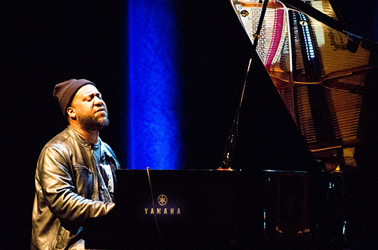 MIJF-kevin peterson- Robert Glasper Trio-0348