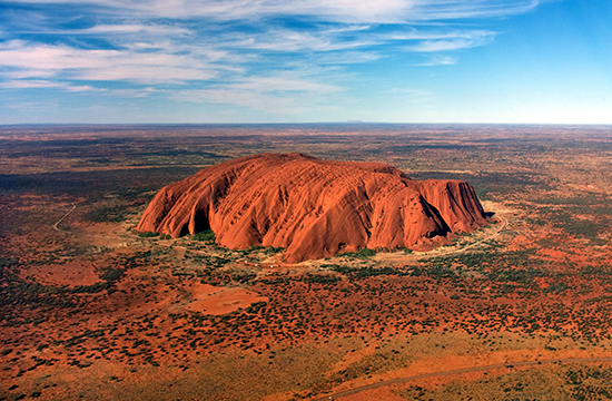 Uluru 550px helicopter view cropped
