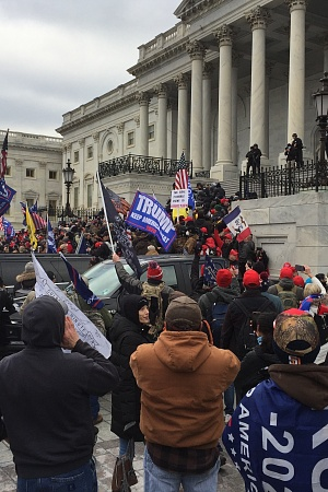 Trump supporters marching on the US Capitol on 6 January 2021 (TapTheForwardAssist/WikimediaCommons)
