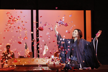 OA-Madama-Butterfly_-Hiromi-Omura-as-Cio-Cio-San.-Photo-by-Jeff-Busby-1579